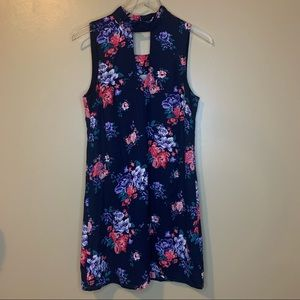 Women's Skies Are Blue Floral Sleeveless Dress S